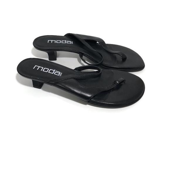 Moda Spana Black Thong Kitten Heel Sandals Size 8